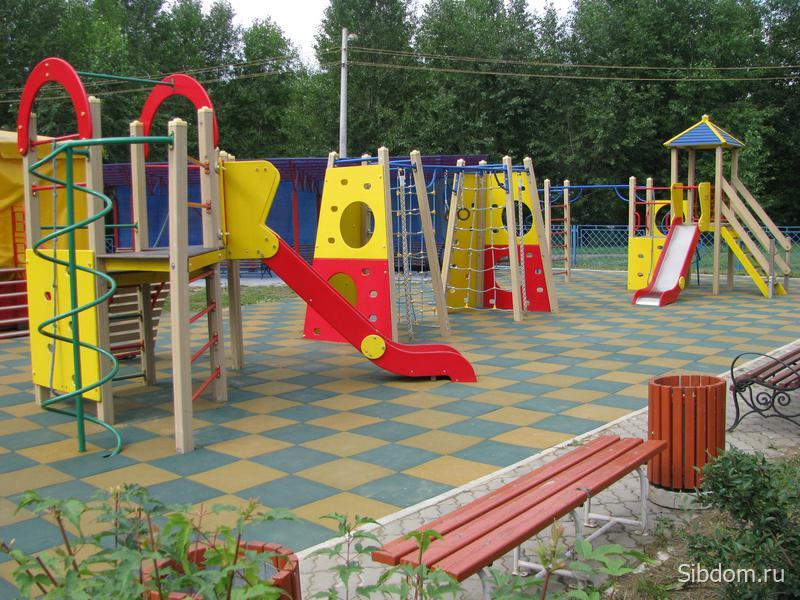 ищет детские площадки в красноярске адреса площадь (Москва